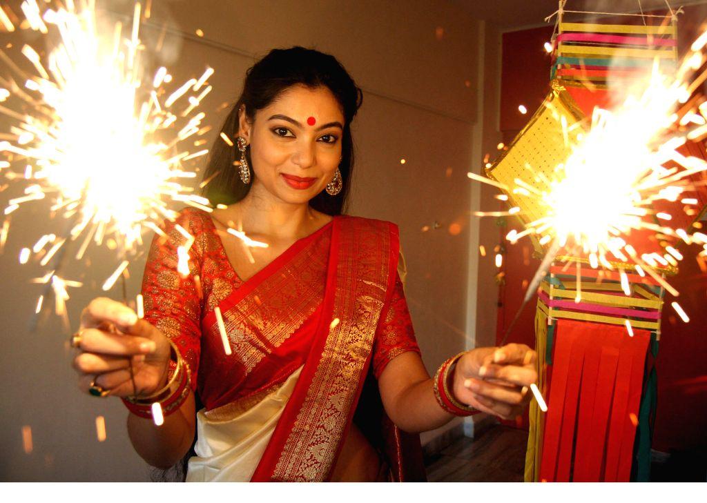 Film Luv Shuv Tey Chicken Khurana actress Anangsha Biswas special Diwali theme photo shoot (Photo: IANS) - Anangsha Biswas