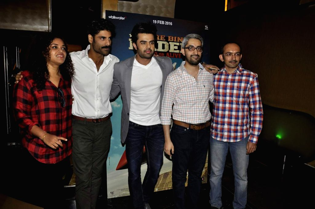 Filmmaker Aarti Shetty, actors Sikander Kher and Manish Paul during the trailer launch of film Tere Bin Laden : Dead or Alive in Mumbai on Jan. 19, 2016. - Aarti Shetty, Sikander Kher and Manish Paul