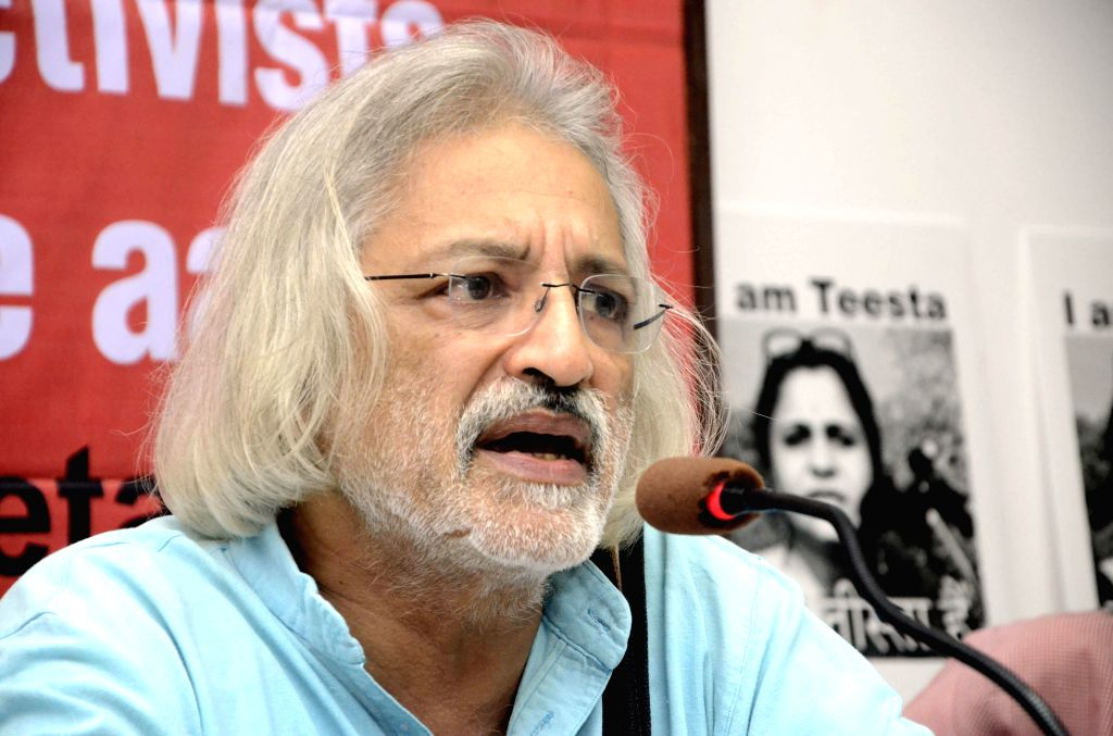 filmmaker Anand Patwardhan. (File Photo: Sandeep Mahankal/IANS)
