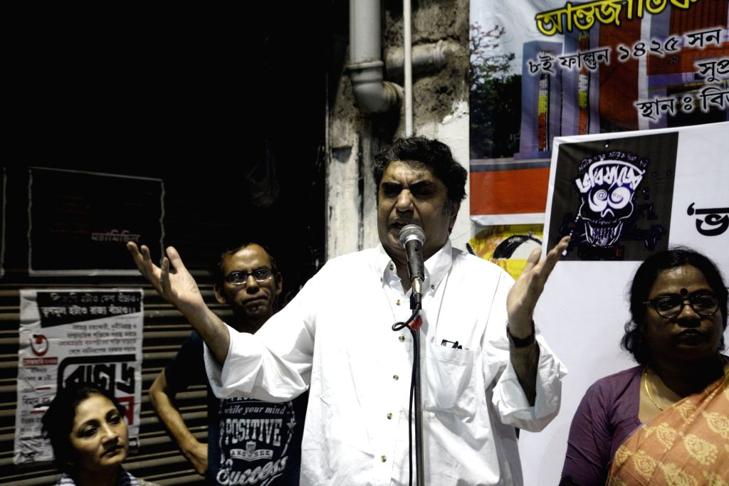 "Filmmaker Anik Dutta addresses at a demonstration against the withdrawal of his film ""Bhobishyoter Bhoot"" (Ghost of the Future) from almost all multiplexes and single screen ... - Anik Dutta"