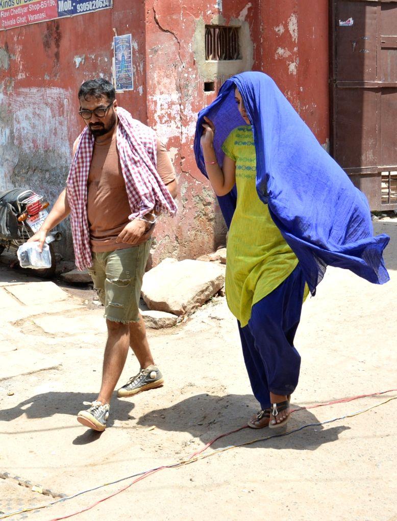 "Filmmaker Anurag Kashyap with actress Zoya Afroz during shooting of upcoming film ""Mukkebaz"" in Varanasi on May 19, 2017. - Anurag Kashyap"