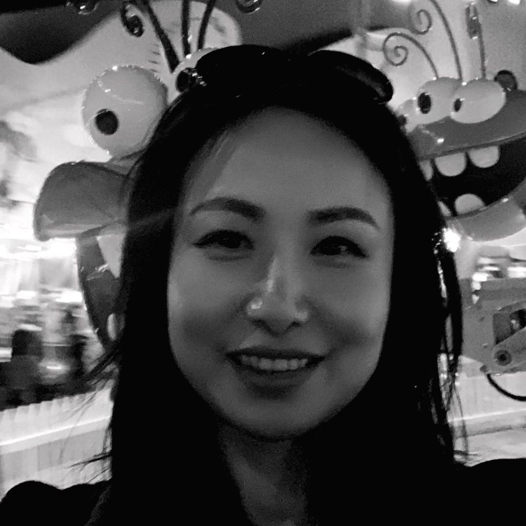 Filmmaker Chloe Zhao on wearing multiple hats for 'Nomadland'.(photo:instagram) - Chloe Zhao