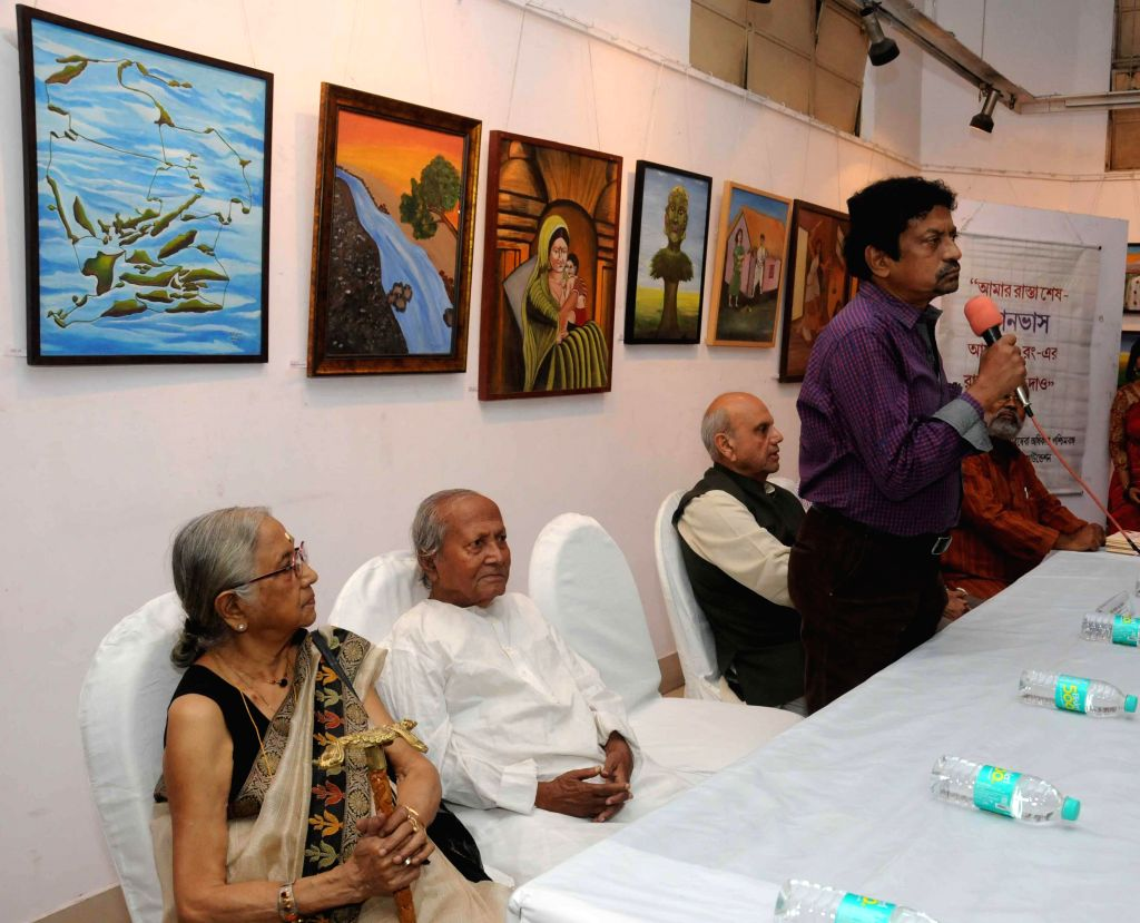 Filmmaker Goutam Ghose addresses during inauguration of a painting exhibition - exhibiting paintings made by prisoners, at Academy of Fine Arts in Kolkata on Nov 12, 2014. - Goutam Ghose