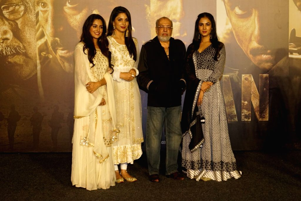 """Filmmaker JP Dutta with actors Ishitha Chauhan, Dipika Kakar and Sonal Chauhan at the trailer launch of upcoming film """"Paltan"""", in Mumbai on Aug 2, 2018. - J, Ishitha Chauhan, Dipika Kakar and Sonal Chauhan"""