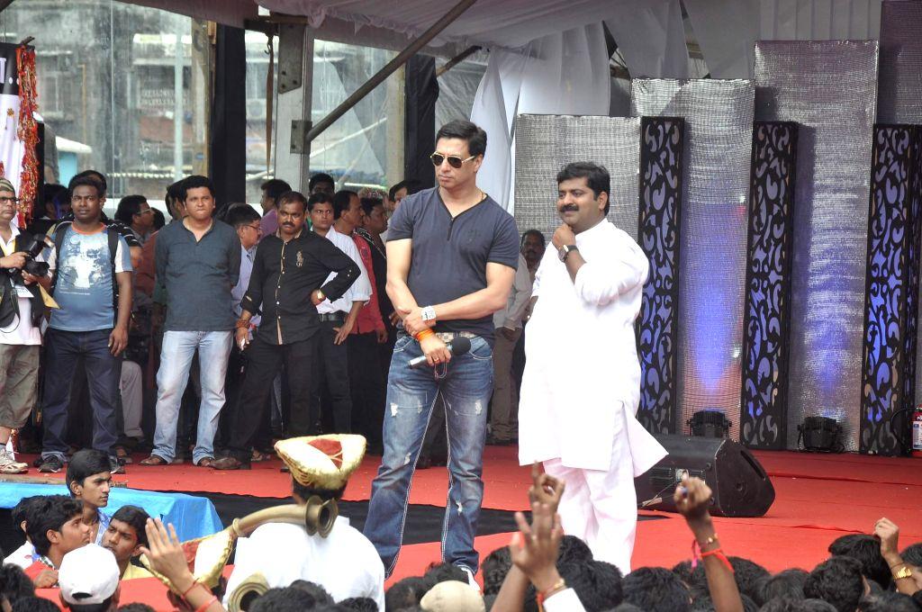 Filmmaker Madhurbhandarkar during Dahi Handi 2014 celebrations organised by MNS leader Ram Kadam at Ghatkopar in Mumbai on Aug. 18, 2014. - Madhurbhandar