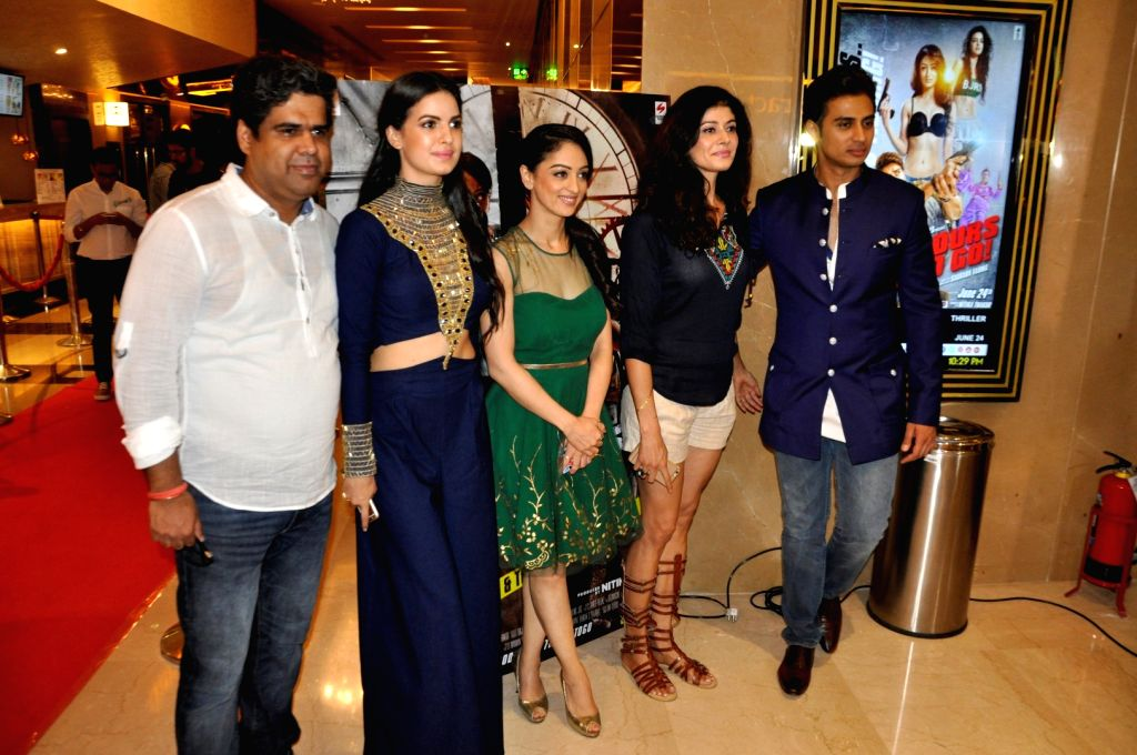 Filmmaker Saurabh Varma, actors Natasa Stankovic, Sandeepa Dhar, Pooja Batra and Shiv Pandit during special screening of film 7 Hours To Go, in Mumbai on June 22, 2016. - Saurabh Varma, Natasa Stankovic, Sandeepa Dhar, Pooja Batra and Shiv Pandit