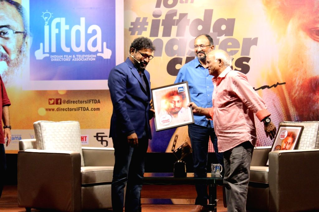 Filmmaker Shoojit Sircar being felicitated at a master class organised by Indian Film and Television Directors' Association (IFTDA), in Mumbai on May 19, 2018. - Shoojit Sircar
