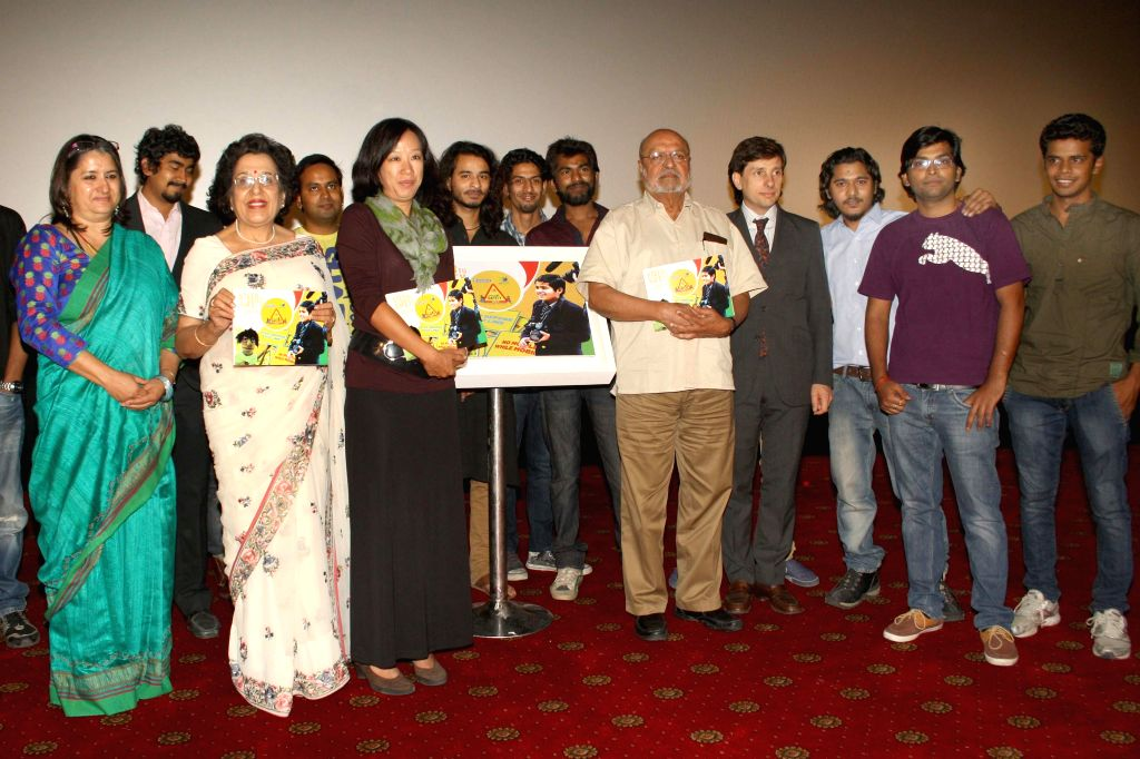 Filmmaker  Shyam Benegal at the Grand Finale of 'Cine art- Steer to Safety' an initiative of a private company to create road safety awareness among school children in New Delhi on April 25, ... - Shyam Benegal