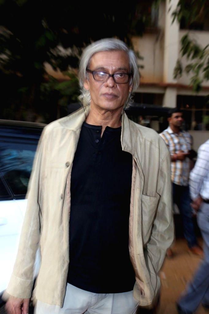 Filmmaker Sudhir Mishra during the inauguration of `Khidkiyan` Theater Festival in Mumbai on Jan 14, 2016. - Sudhir Mishra
