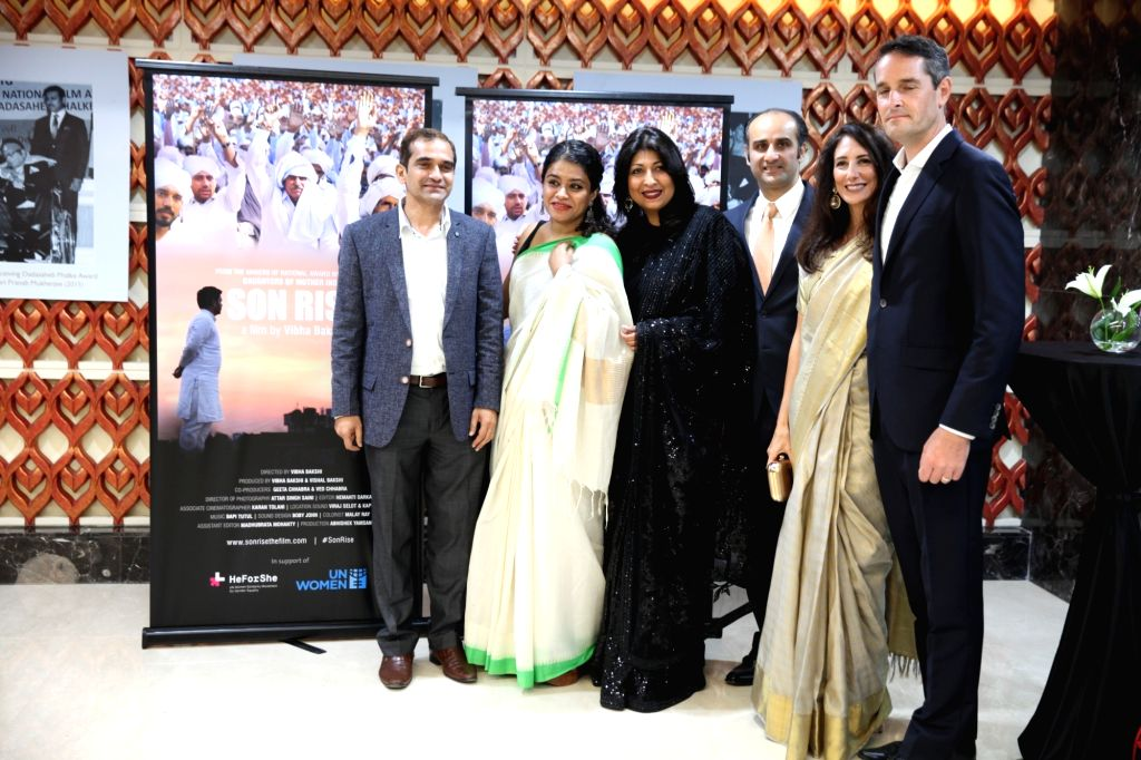 Filmmaker Vibha Bakshi with Film and Television Institute of India (FTII) Director Prashant Pathrabe, UN Women Deputy Representative (office for India, Bhutan, Maldives and Sri Lanka) Nishtha ... - Vibha Bakshi