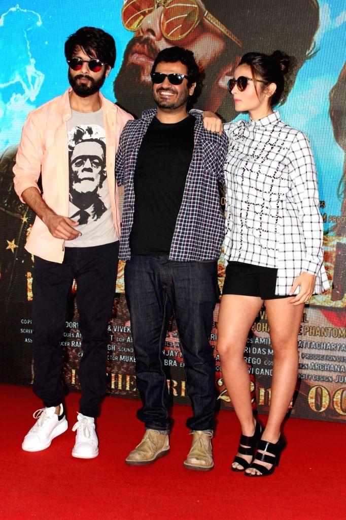 Filmmaker Vikas Bahl, actors Alia Bhatt and Shahid Kapoor during the launch of song Raitaa Phail Gaya from the film Shaandaar in Mumbai on Oct 13, 2015. - Vikas Bahl, Alia Bhatt and Shahid Kapoor