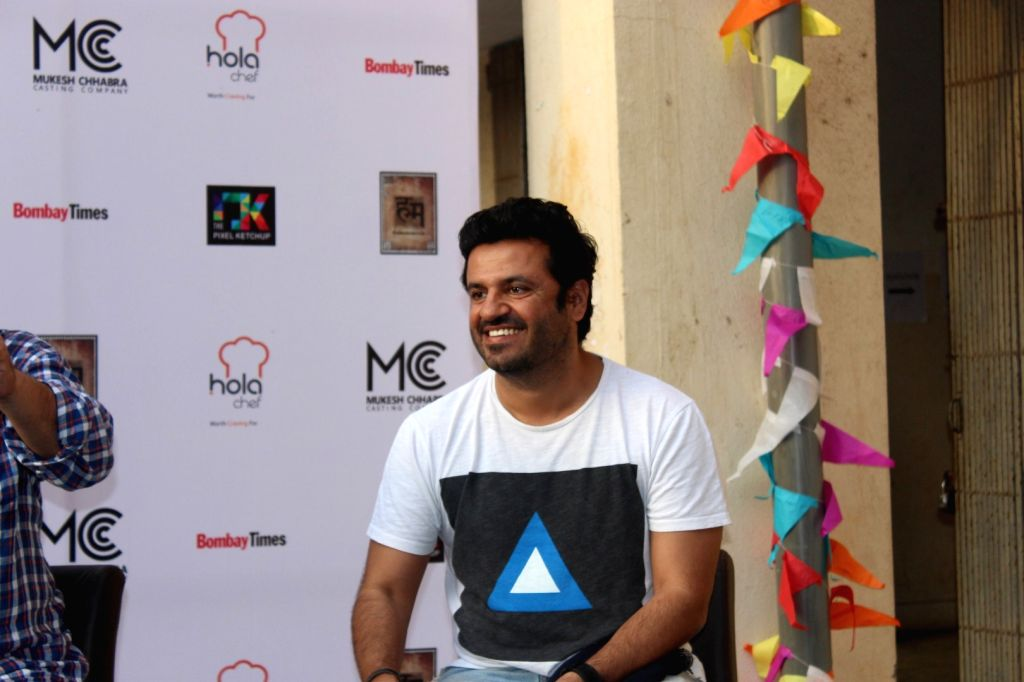 Filmmaker Vikas Bahl during the inauguration of `Khidkiyaan`- Theatre Festival 2016, in Mumbai on Jan 13, 2016. - Vikas Bahl