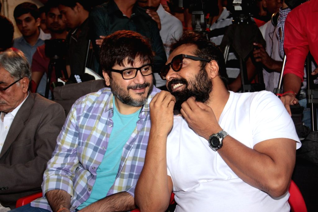 Filmmakers Goldie Behl and Anurag Kashyap during the Khidkiyaan Theatre Festival in Mumbai on January 17, 2016. - Goldie Behl and Anurag Kashyap