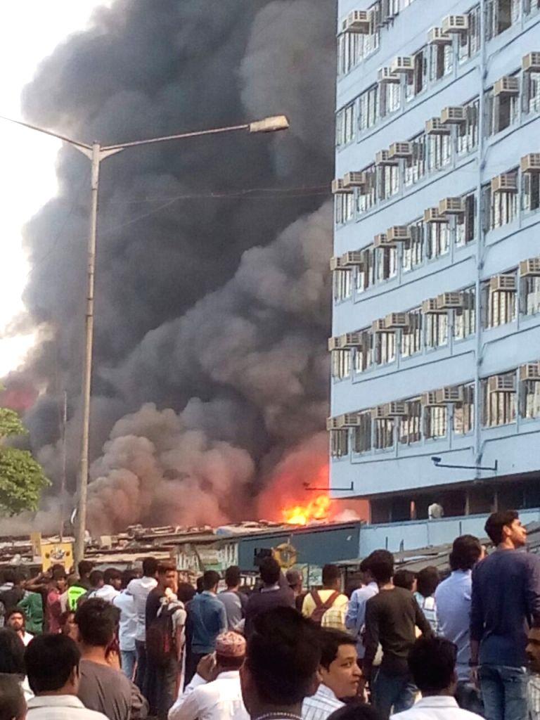 Fire breaks out at Oshiwara furniture market in Mumbai on Nov 25, 2016.