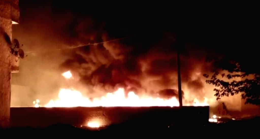 Fire breaks out in shanties in Sheetla colony area, no injuries reported.