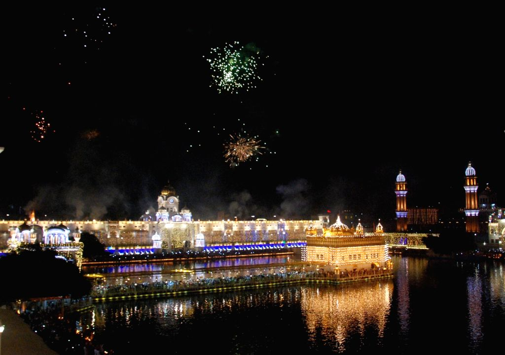 Fire works light up the skies during Diwali celebrations, in Amritsar on Oct 27, 2019.