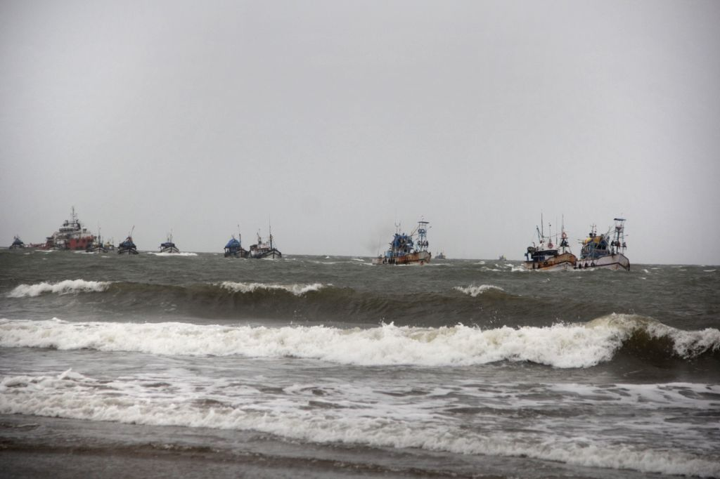 Fishing Trawlers return after the Meteorological Department forecasted heavy rains between September 18 and 21 in Miramar, Goa on Sept 18, 2017.