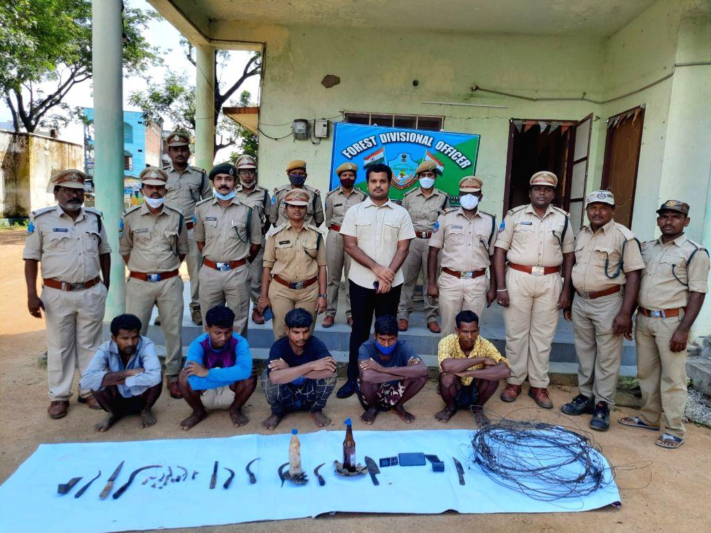 five tribals held in Telangana for killing tiger