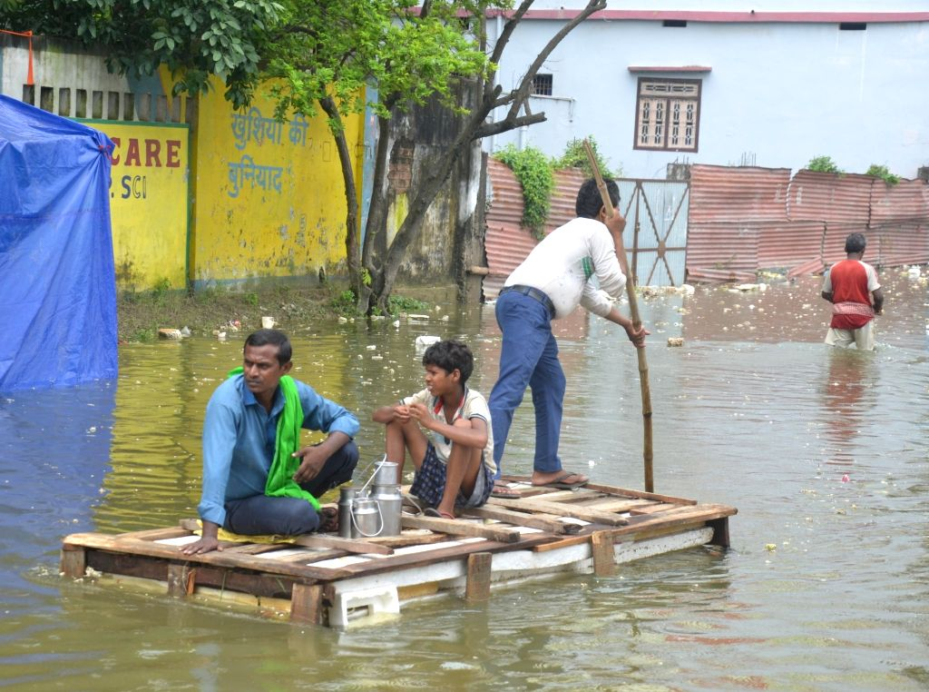 Flood situation in Bengal snowballing into political row