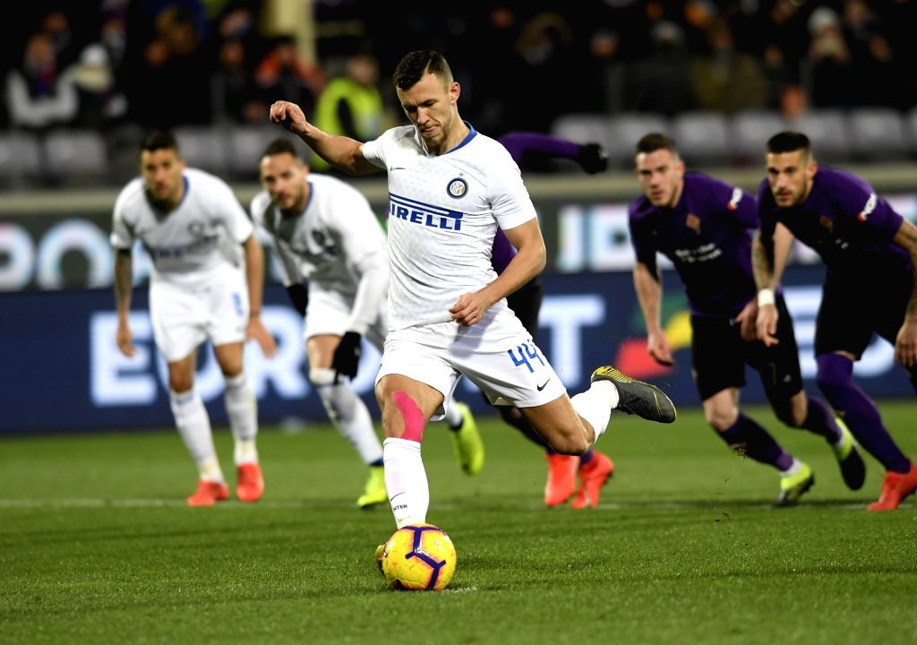 FLORENCE, Feb. 25, 2019 - Inter Milan's Ivan Perisic scores his goal during a Serie A soccer match between Fiorentina and Inter Milan in Florence, Italy, Feb. 24, 2019. The match ended in a 3-3 draw.