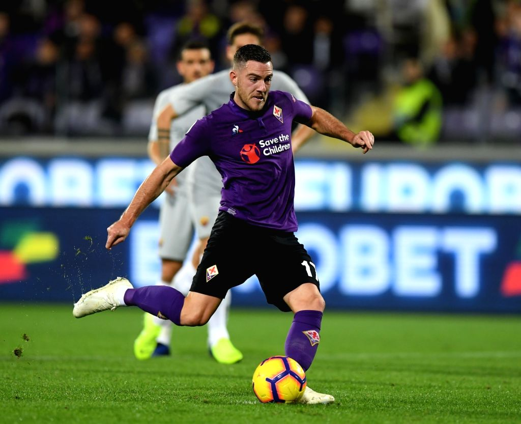 FLORENCE, Nov. 4, 2018 - Fiorentina's Jordan Veretout shoots during the Serie A soccer match between Fiorentina and Roma in Florence, Italy, Nov. 3, 2018. The match ended 1-1.