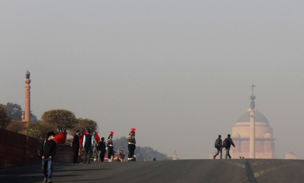 Fog to persist in northern India till Sunday: IMD