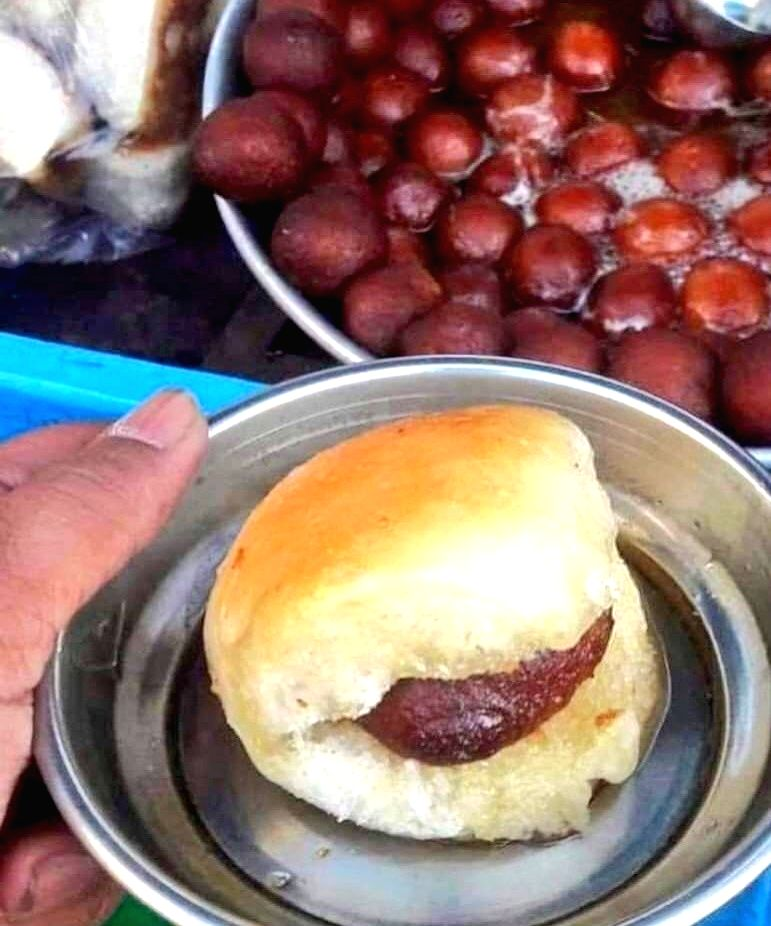 Foodies love to experiment with what they eat, though it may not go well for others. A Twitter user's idea of eating a 'gulab jamun' stuffed in a 'paav' has got funny responses from other users.