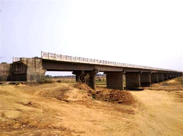For more than three decades, the smooth connectivity between Bhagalpur's border area Sanhula and Jharkhand's Godda has not been restored, due to which the dream of connecting Mahagama subdivision ...