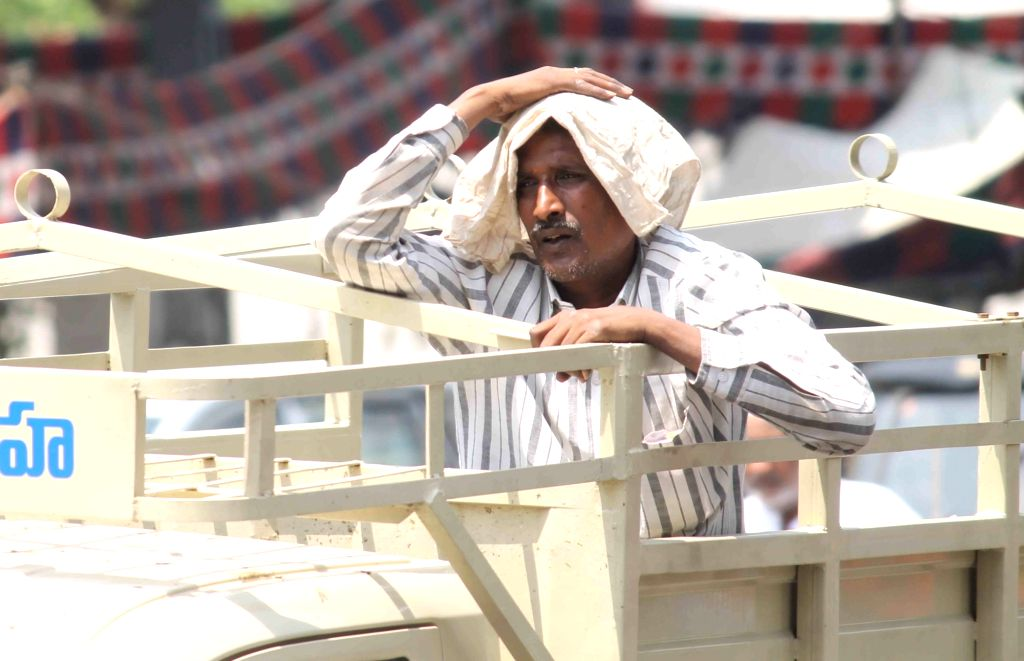 For the last few days Delhi and other states of north India have been experiencing extreme heat wave conditions but the India Meteorological Department (IMD) on Thursday said there will be some respite from Friday onwards. (File Photo: IANS)