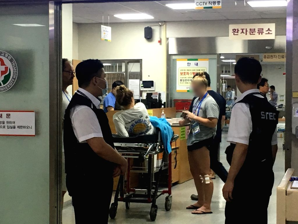 Foreign athletes who are in South Korea for the 18th FINA World Championships are taken to an emergency room at a hospital in Gwangju, some 330 kilometers south of Seoul, after suffering ...