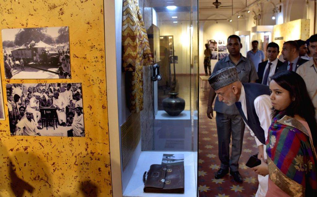Former Afghanistan President Hamid Karzai visits Partition Museum in Amritsar on Sept 21, 2018.