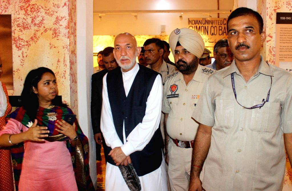 Former Afghanistan President Hamid Karzai visits Partition Museum, in Amritsar, on Sept 21, 2018.