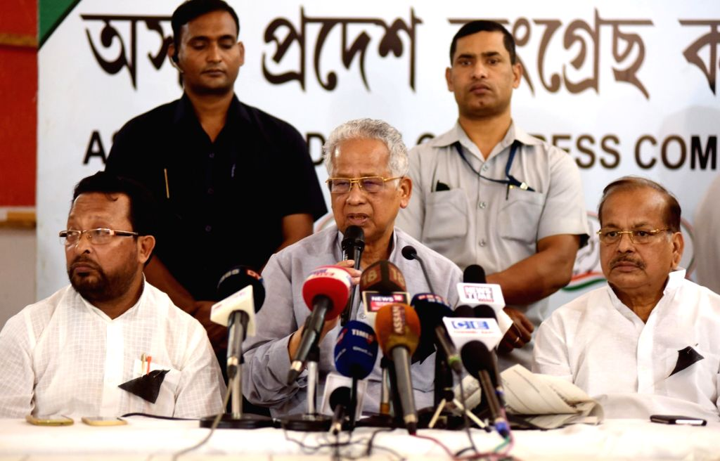Former Assam Chief Minister and Congress leader Tarun Gogoi addresses a press conference in Guwahati, on Nov 2, 2018.