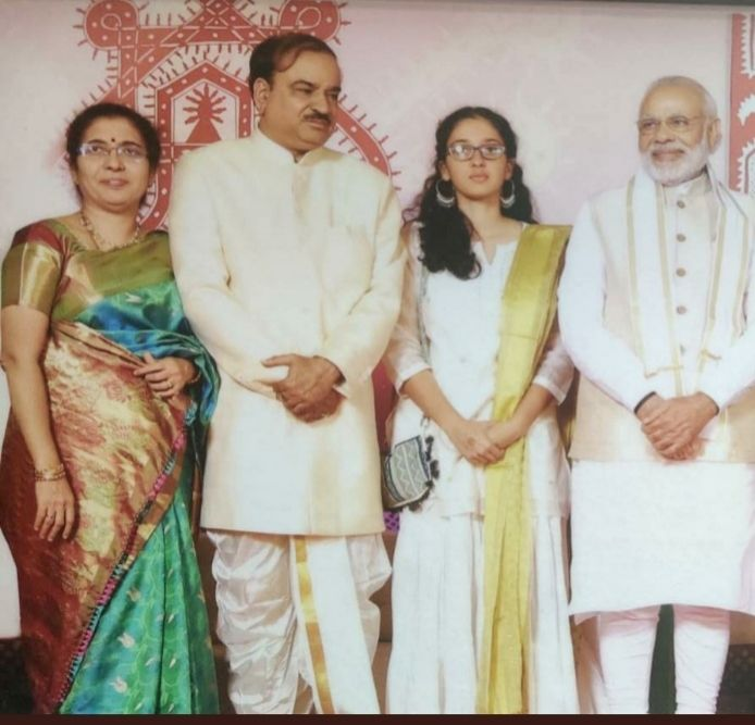 Former BJP leader Ananth kumars daughter bats for JD (S).