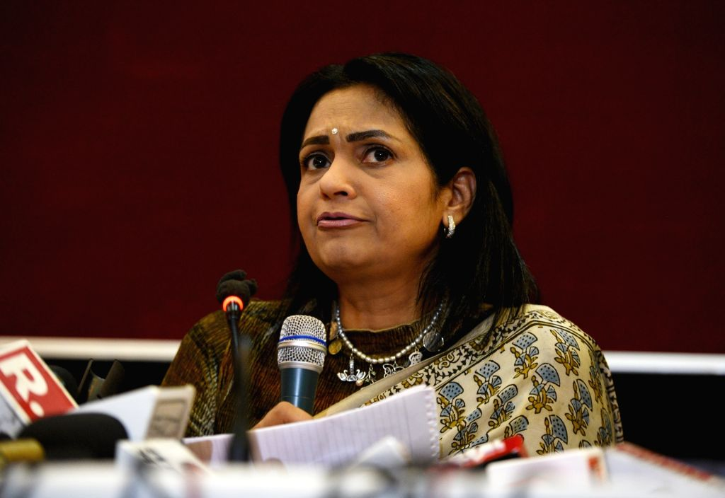 Former BJP MP and actor Vinod Khanna's wife, Kavita Vinod Khanna addresses a press conference in New Delhi, on April 27, 2019. - Kavita Vinod Khanna