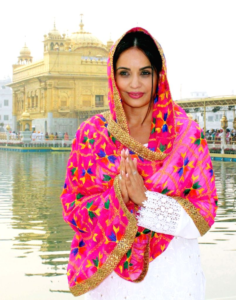 Former Canadian Parliamentarian Ruby Dhalla pays obeisance at the Golden Temple in Amritsar on Oct 31, 2018.