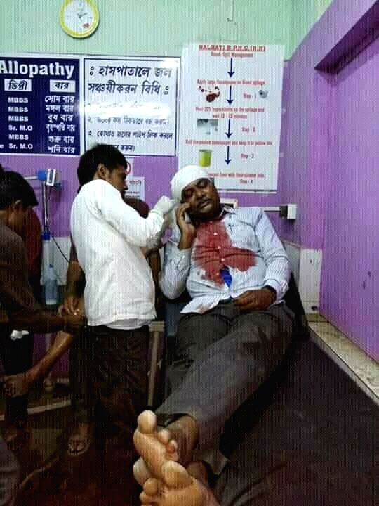 Former CPM MP Ramchandra Domb being treated at a hospital after he was attacked while on his way to file Panchayat nomination, in Nolhati of West Bengal's Birbhum district on April 5, 2018.