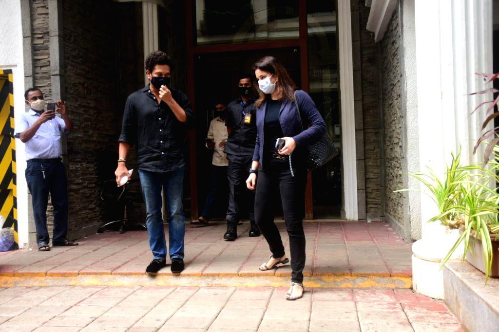 Former cricketer Sachin Tendulkar and his wife Anjali Tendulkar seen at a Bandra clinic in Mumbai on Jan 8, 2021. - Sachin Tendulkar