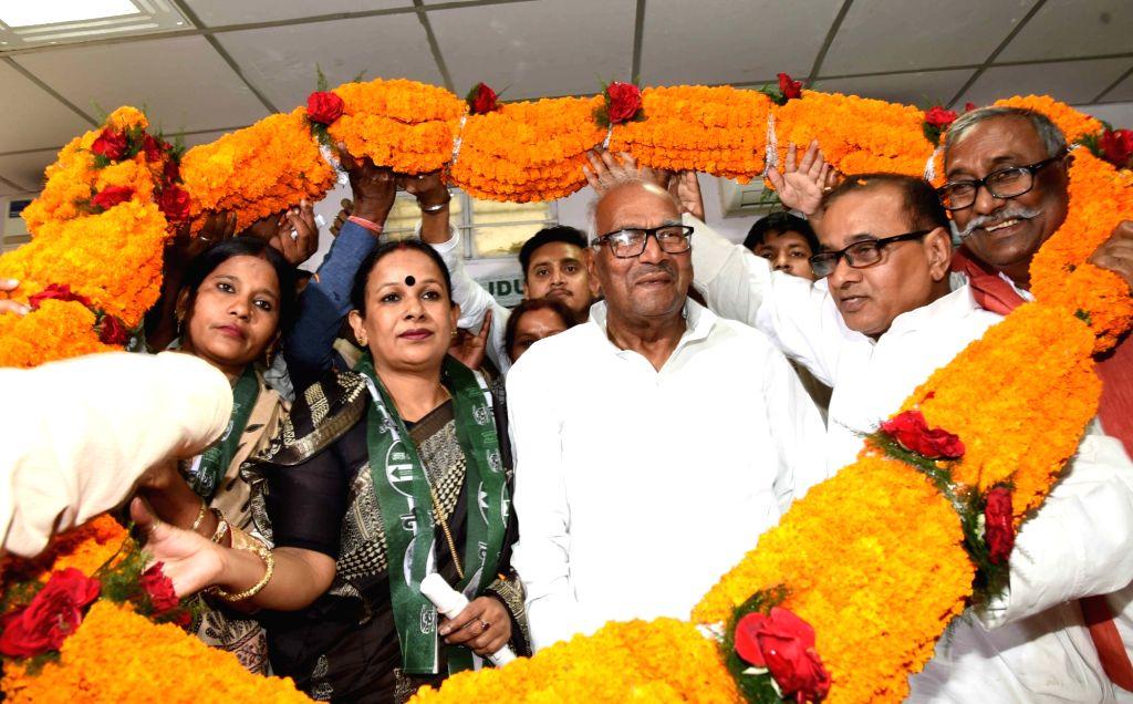 Former HAM-S leader Nutan Paswan joins JD-U in the presence of party's Bihar President Bashistha Narain Singh in Patna, on March 16, 2019. - Bashistha Narain Singh
