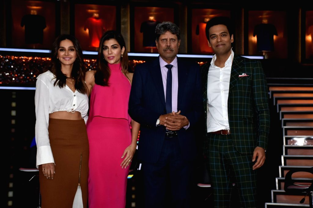 "Former India skipper Kapil Dev, sports anchors Archana Vijaya, Samir Kochhar and actress-host Shibani Dandekar at the launch of cricket and comedy show ""Dhan Dhana Dhan"" in Mumbai ... - Kapil Dev"