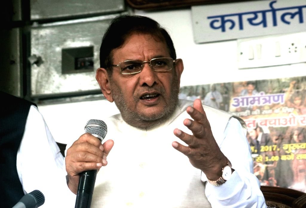 Former Janata Dal-United (JD-U) president Sharad Yadav addresses a press conference in New Delhi on Aug 16, 2017. - Sharad Yadav