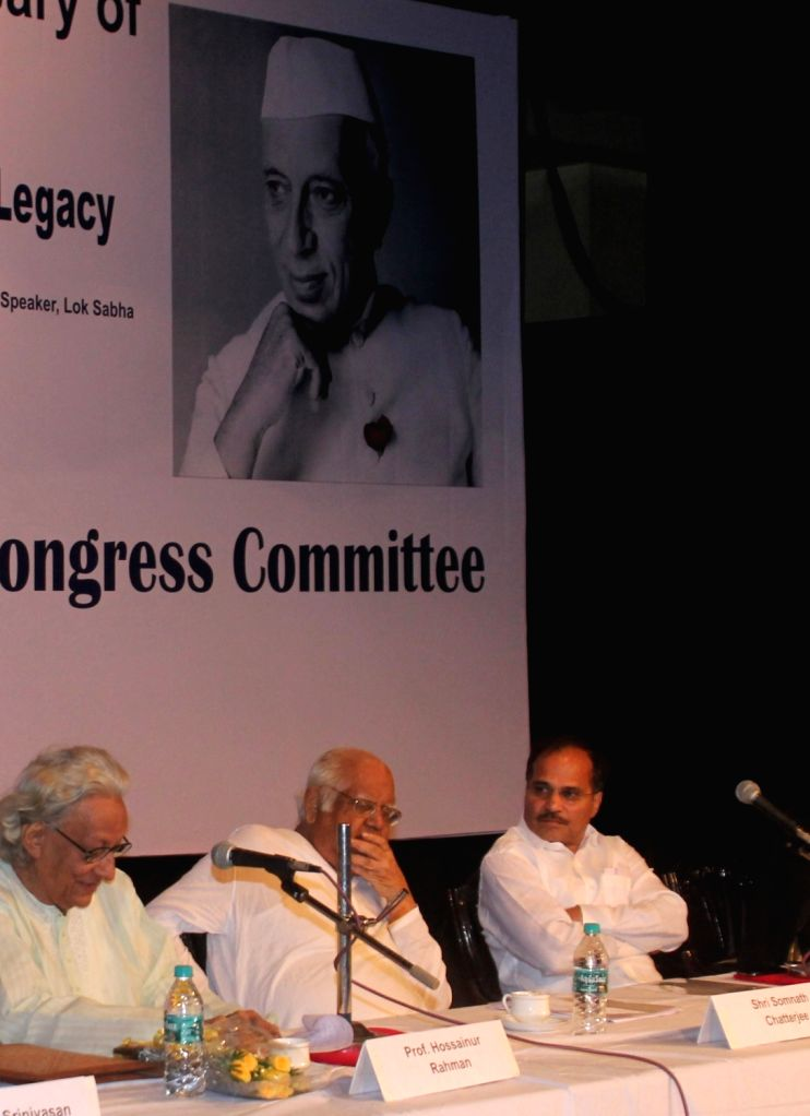 Former Lok Sabha speaker Somnath Chatterjee and West Bengal Congress chief Adhir Ranjan Chawdhury during a seminar on Pandit Jawaharlal Nehru on his 126th birth anniversary in Kolkata, on ...