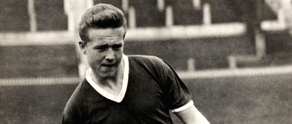 Former Manchester United forward Albert Quixall dies at 87