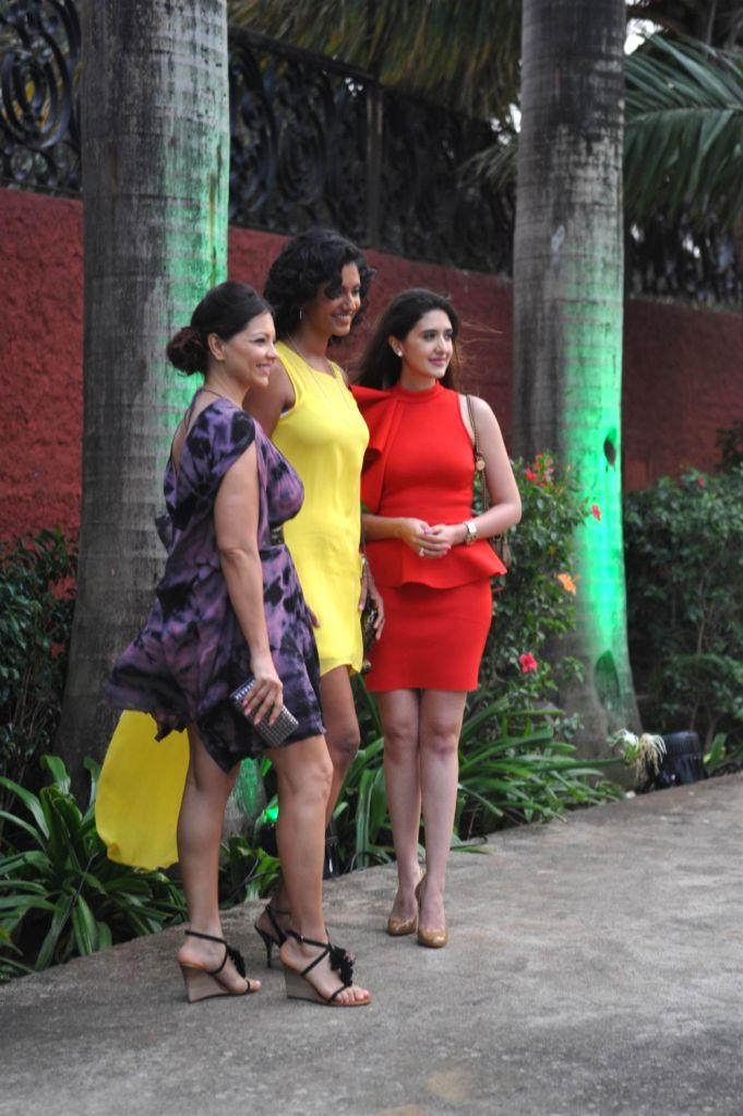 Kareena Kapoor Relaunch Tetley Green Tea