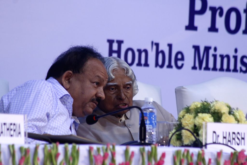 Former president of India A. P. J. Abdul Kalam with Union Minister for Science and Technology Harsh Vardhan during a programe organised to launch Rashtriya Avishkar Abhiyan at Talkatora ...