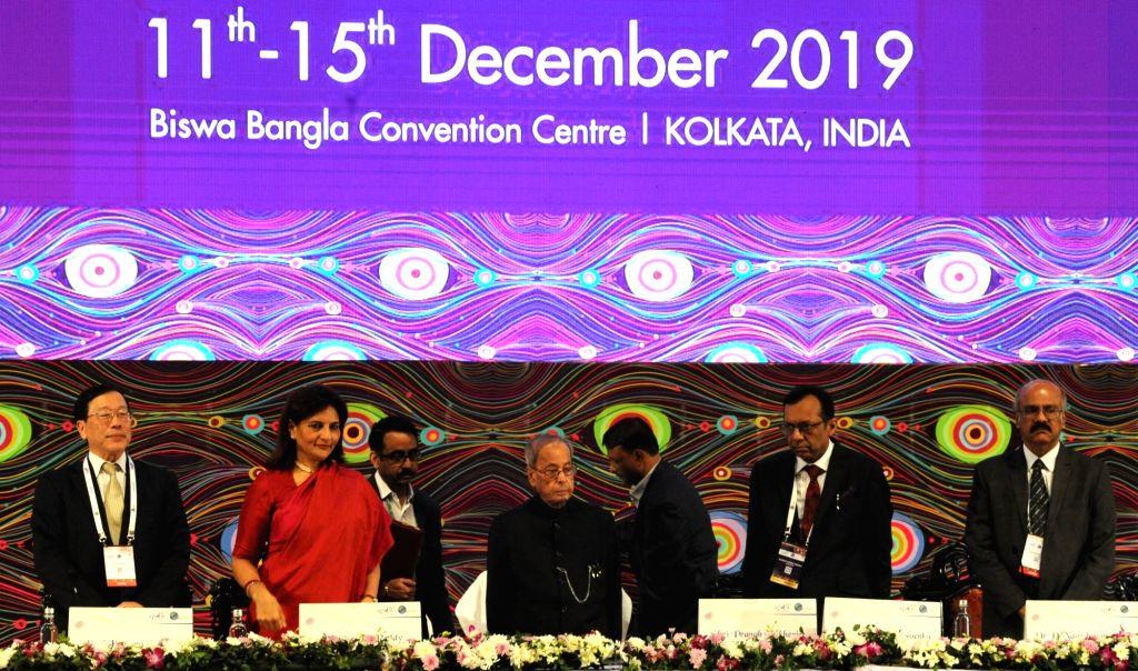 Former President Pranab Mukherjee, Asian Pacific Association Gastroenterology President Kentaro Sugano, Asian Pacific Digestive Week (APDW) President Mahesh K Goenka and other dignitaries at ... - Pranab Mukherjee and Mahesh K Goenka