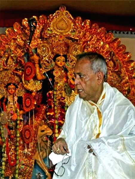 Former President Pranab Mukherjee during Durga Puja celebrations at his ancestral house in Birbhum district of West Bengal on Sept 28, 2017. - Pranab Mukherjee