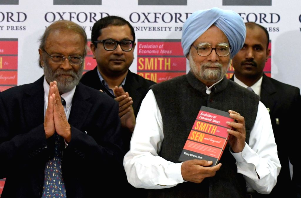 """Former Prime Minister and renowned economist Dr. Manmohan Singh at the launch of book """"Evolution of Economic Ideas Smth to Sen and beyond"""" in New Delhi, on Jan 14, 2017. - Manmohan Singh"""