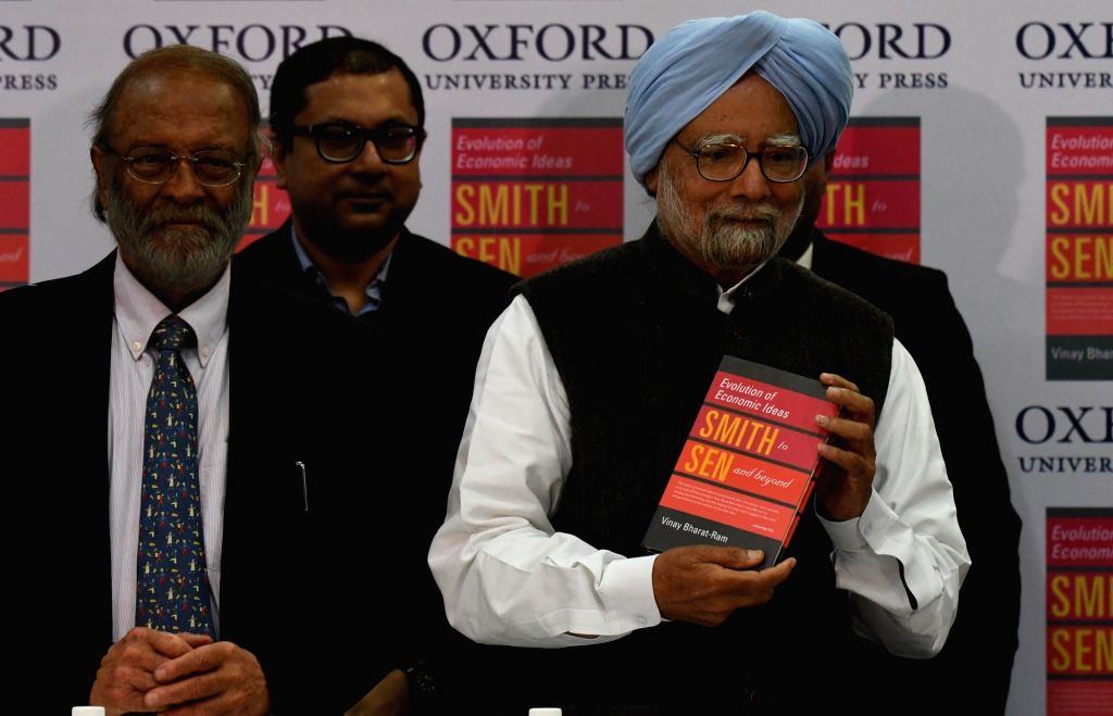 """Former Prime Minister and renowned economist Dr. Manmohan Singh at the launch of Vinay Bharat-Ram's (L) book """"Evolution of Economic Ideas Smth to Sen and beyond"""" in New Delhi, on ... - Manmohan Singh"""