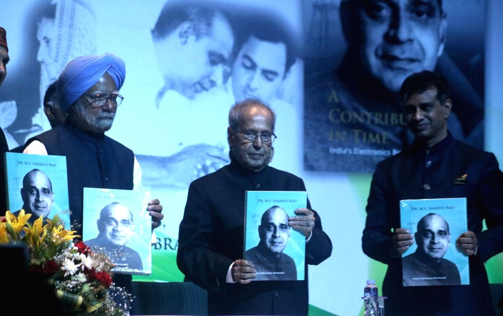 Former Prime Minister Manmohan Singh and Former President Pranab Mukherjee during the launch of M.S. Sanjeevi Rao's book 'A Contribution in Time - India's Electronics revolution' in New ... - Manmohan Singh, Pranab Mukherjee and S. Sanjeevi Rao
